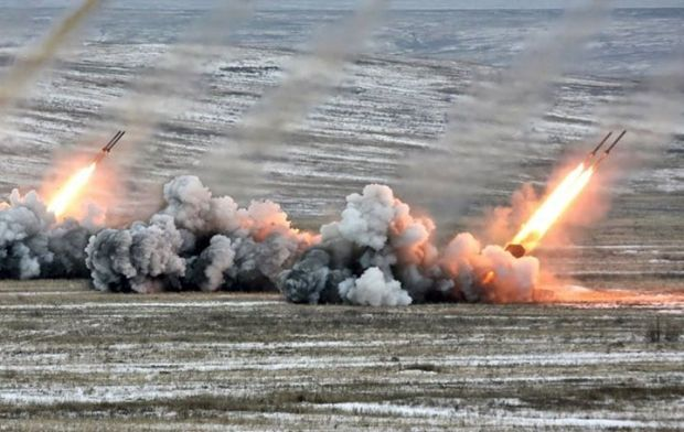 Militants shell Ukrainian positions in Donbas, using weapons banned under the Minsk accords / Phot from facebook.com/backandalive.