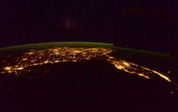 @AstroTerry / twitter.com