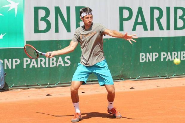 Сергей Стаховский выбыл из борьбы во втором круге турнира в Париже  / sapronov-tennis.org