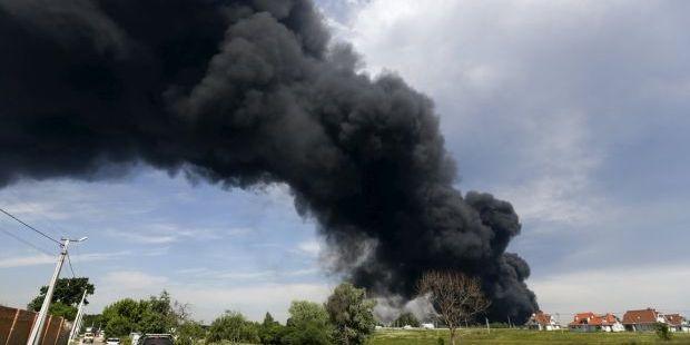 пожар на нефтебазе под Васильковом / REUTERS