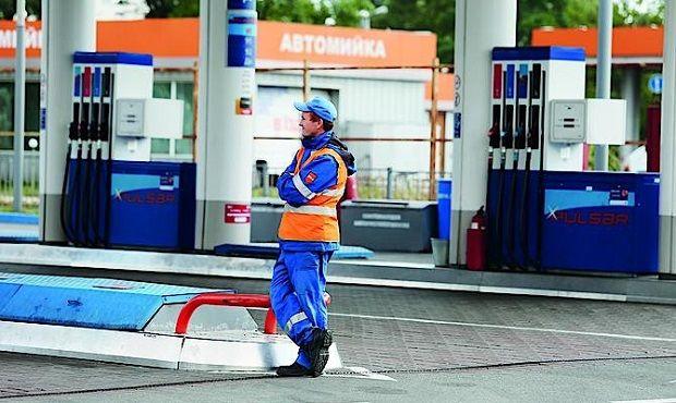 Эксперты считают, что повышение акциза на бензин еще больше загонит нефтерынок в тень / www.capital.ua