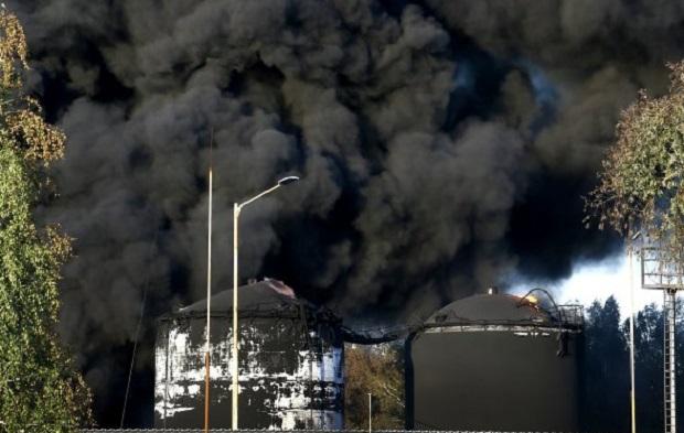 В ГСЧС отрицают негативное влияние пожара на окружающую среду / Фото УНИАН