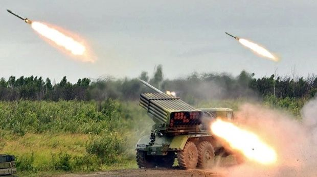 Grad systems open fire / verytinywars.blogspot.com