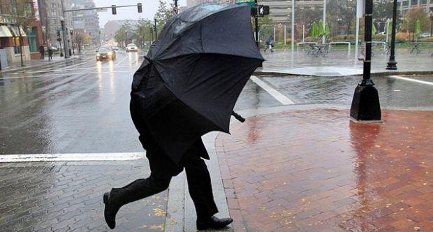 Объявлено штормовое предупреждение в связи с резкими порывами ветра