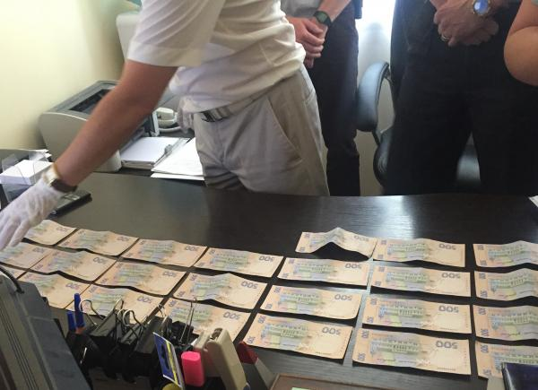 Prosecutor arrested for bribery / Rivne Vecherne