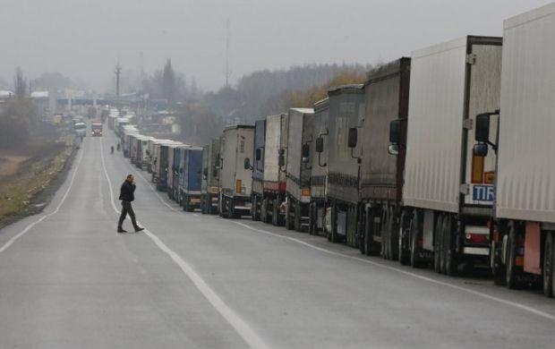 Очередь фур на границе с Россией, осень 2013 года