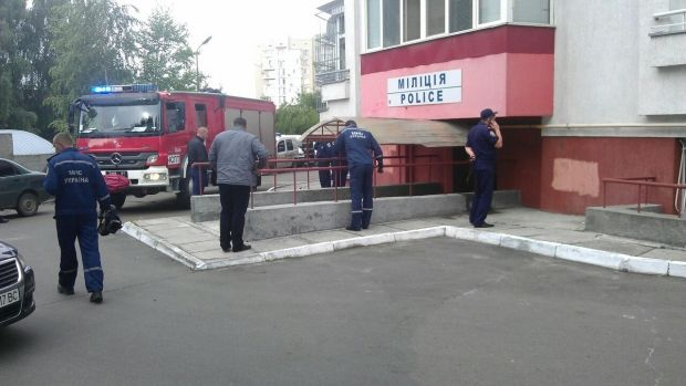 A bomb exploded at the door of a Lviv police station on Tuesday morning / Photo from vk.com/govarta1