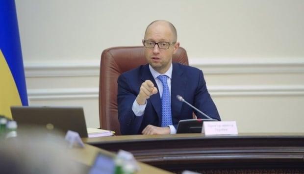 Даже Яценюк, как выяснилось, до сих пор не знает, где, по какой цене и в каких объемах Украина будет закупать уголь / Фото УНИАН
