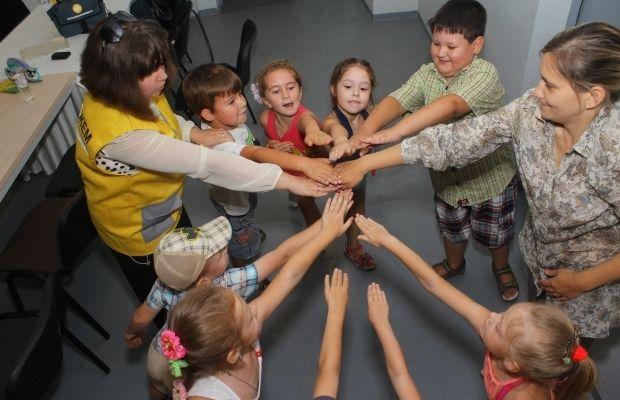 штаб Ахметова, психологи, дети / Фото: Гуманитарный штаб Рината Ахметова