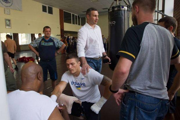 Кличко має великі плани щодо подальшої кар'єри Усика / facebook.com/Vitaliy.Klychko