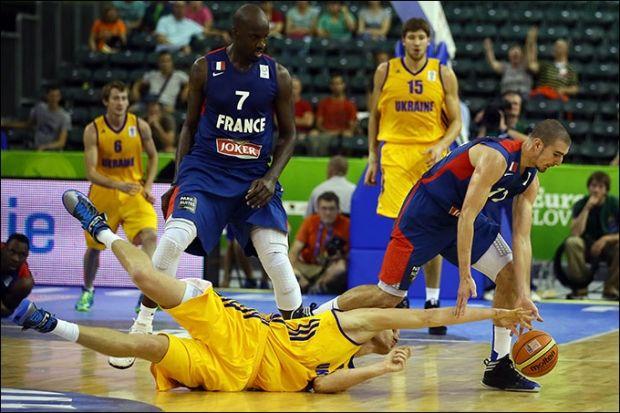 На минулому Євробаскеті українці поступилися французам з різницею в 6 очок  / championat.com