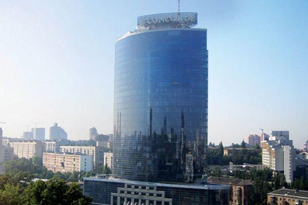 Киевский бизнес-центр Парус / travellife.com.ua