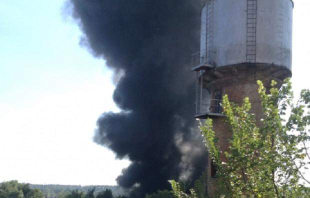 В Буче начался пожар на промышленном предприятии / ТСН