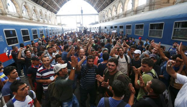 Австрийская Республика ужесточила контроль вприграничной зоне, награнице сВенгрией образовались пробки