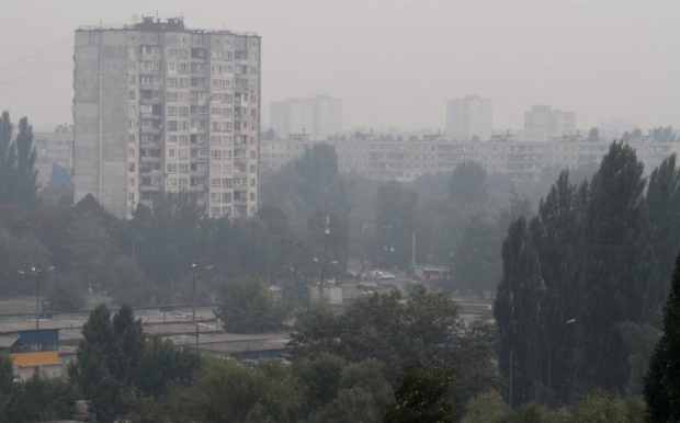 В Киеве снова дым и туман / Фото УНИАН