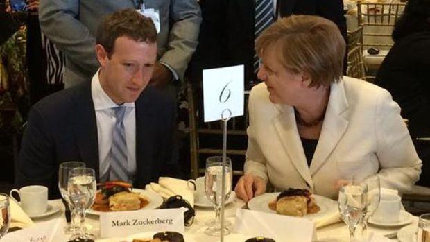 Меркель недовольна Facebook в связи с распространением расистских постов