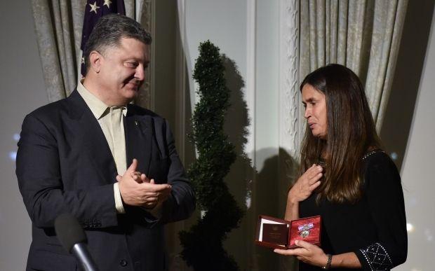 Порошенко наградил посмертно добровольца из США, погибшего под Иловайском