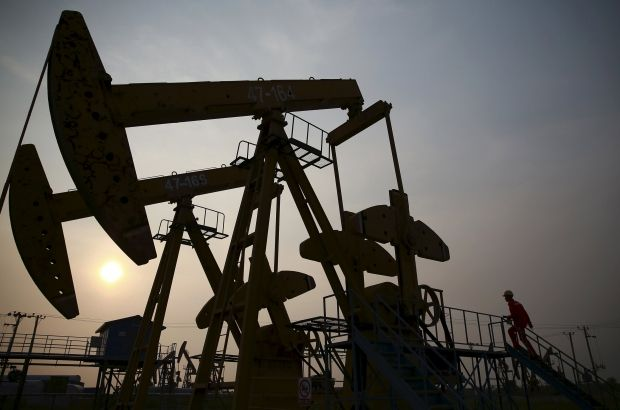Дешевая нефть заставляет Саудовскую Аравию возвращать активы для проведения операции в Йемене и поддержания экономики