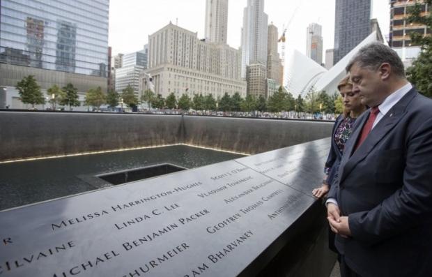 Порошенко в Нью-Йорке встретился с Меркель, а также почтил память жертв теракта 11 сентября