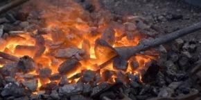 Яценюк признал, что Украине пока не хватает запасов угля, чтобы спокойно перезимовать