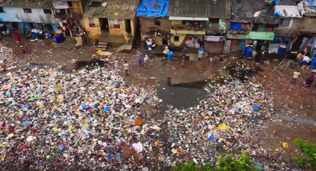 В Индии хотят уменьшить количество пластикового мусора / Скриншот видео