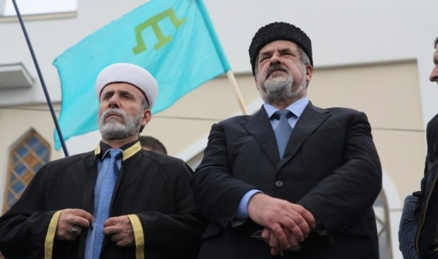Chubarov (right) says the Mejlis also calls on Crimean Tatars not to leave Crimea / Photo from UNIAN
