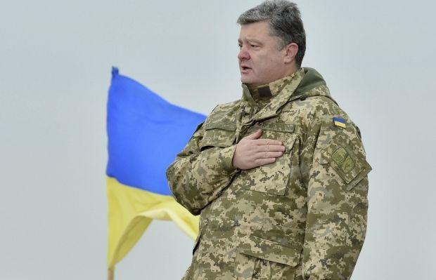 Из плена боевиков освободили двоих украинцев – Порошенко