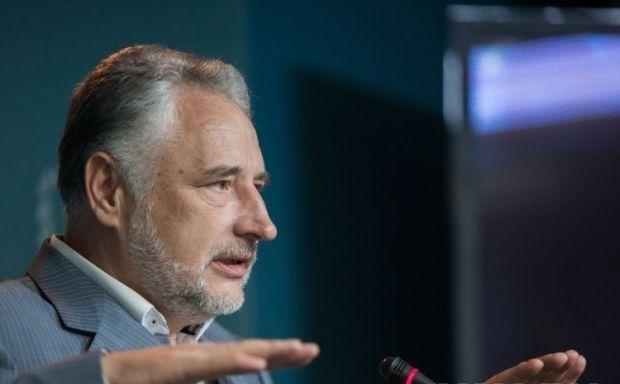 Жебривский считает, что возвращать оккупированный Донбасс надо путем большой войны с Россией