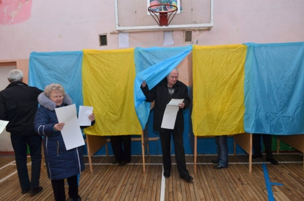 An average voter turnout during local elections in Ukraine is low / Photo from UNIAN