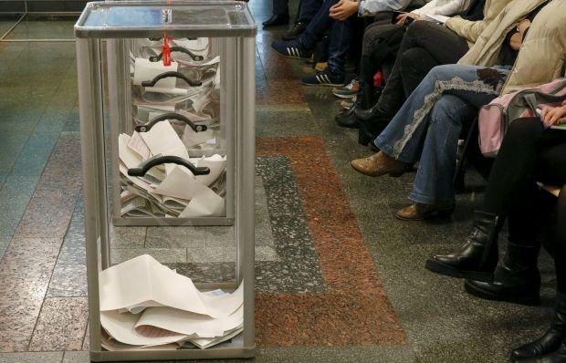 На выборах в Мариуполе зафиксированы первые нарушения