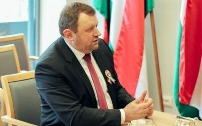Посол Угорщини в Україні: Не слід забувати і мовчати про те, що разом з мігрантами до Європи можуть потрапити й терористи title=