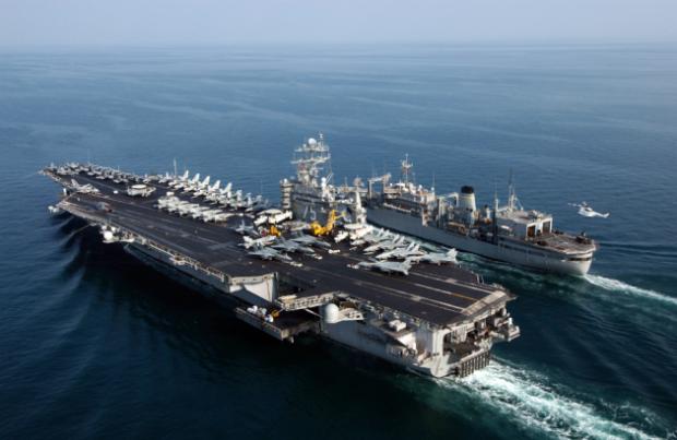 Американский авианосец отправился на Ближний Восток для нанесения ударов по ИГИЛ - СМИ