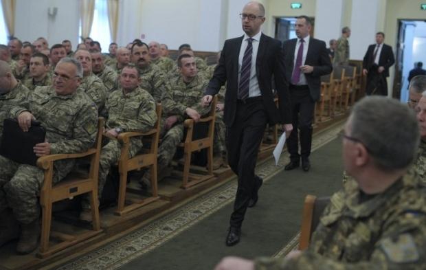 Уряду потрібна допомога громадянського суспільства уприйнятті складних рішень— Яценюк