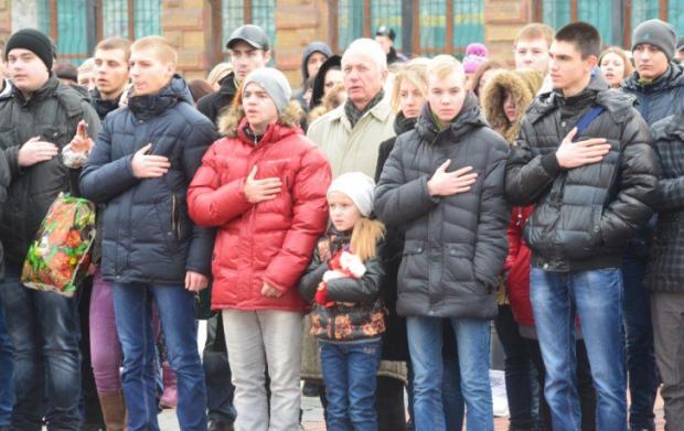 ВКиєві встановили Меморіал пам'яті Героям Небесної Сотні
