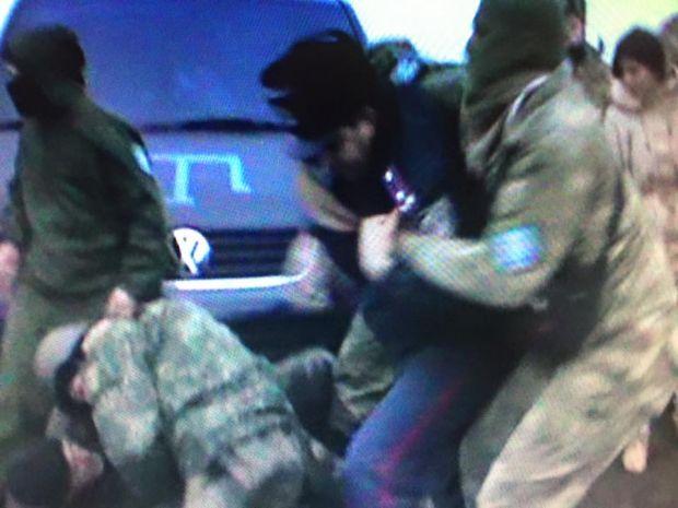 Ківа: Під час сутичок біля ЛЕП вЧаплинці поранили полковника поліції