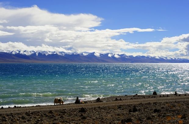 Священное для жителей Тибета озеро Нам-Цо / en.wikipedia.org
