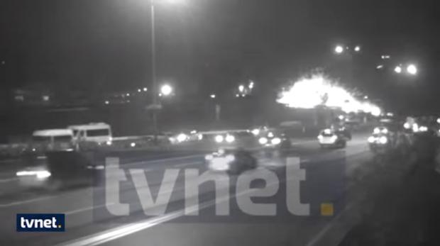 Опубликовано видео взрыва у станции метро в Стамбуле
