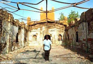 Сожжённая церковь в Нигере - REUTERS