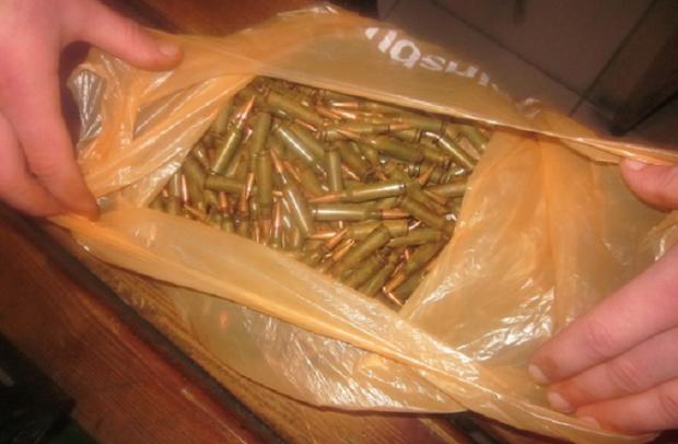 Встоличном метро задержали военного ссотнями патронов игранатами