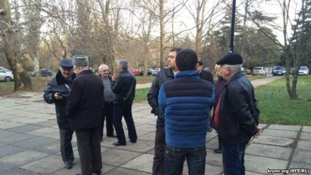 УКриму розпочався суд над кримськими татарами, які мітингували проти анексії півострова