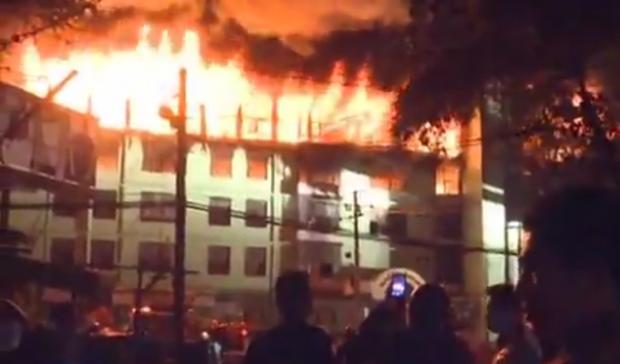 пожар мьянма янгон / видео China Xinhua News