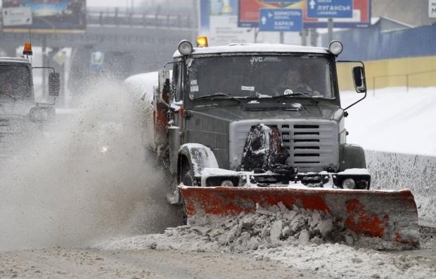 По утверждению властей, Киев активно очищают от снега / Фото УНИАН