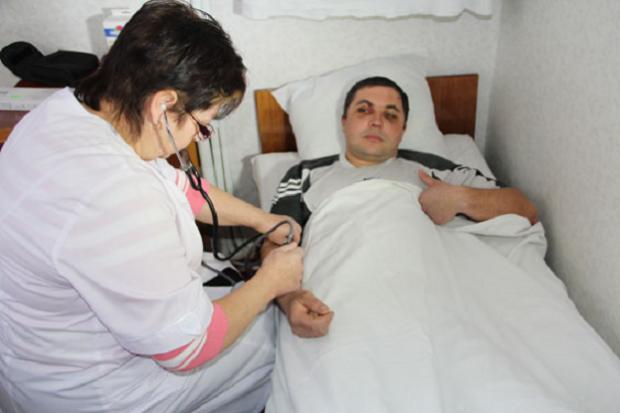 НаЧернігівщині затримали зловмисників, які відгамселили поліцейського зродиною