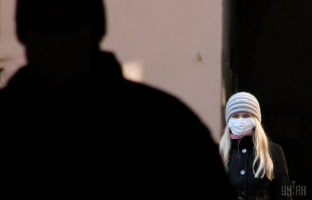 У МОЗ пояснили, чому не рекомендують носити маски під час епідемії грипу / Фото УНІАН