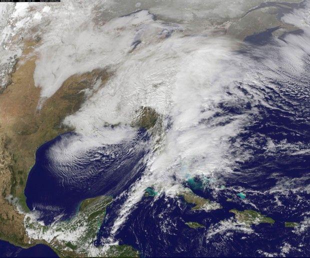 УСША лютує снігова заметіль: 10 загиблих, майже тисяча ДТП