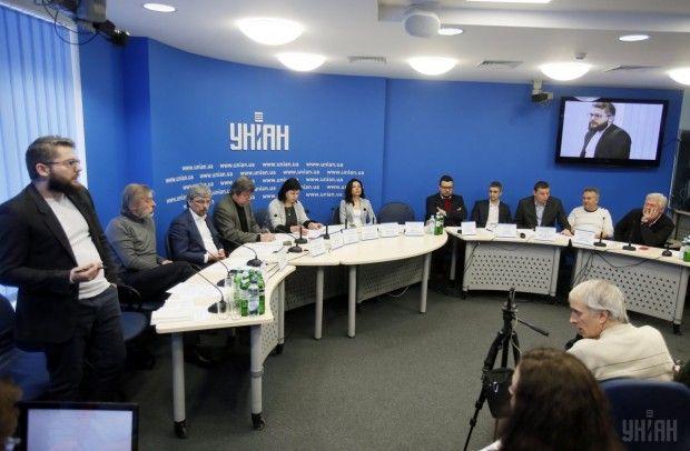 Україна сьогодні не має права допускати присутності, а тим більше тотального домінування, російського інформпродукту - Сюмар