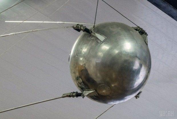 Модель первого искусственного спутника Земли / Фото УНИАН