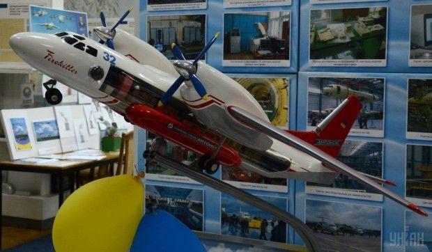 Модель самолета Ан-32 в музее серийного завода