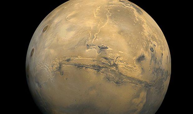 Ученые показали снимки потенциально обитаемых озер на Марсе
