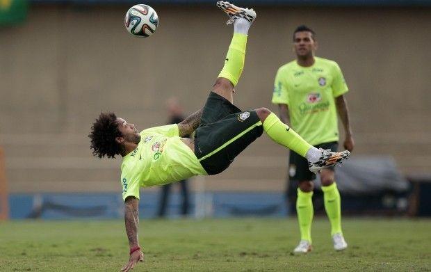 Игроки сборной Бразилии считаются основными фаворитами мирового первенства / Reuters
